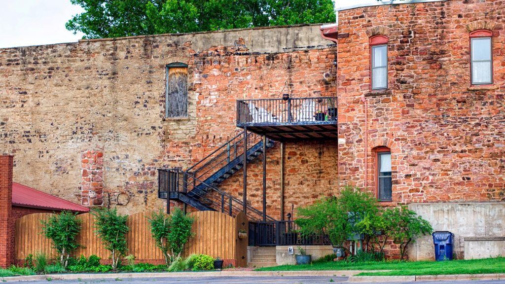 a red brick building for events in Guthrie, Oklahoma